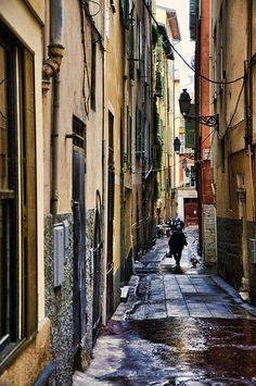 Old Town Alley, Nice, Côte d'Azur (par marty_pinker)