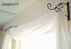 Las cortinas colocadas así, son muy originales, incluso como cabecero de la cama