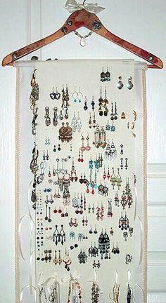 Pink Rose Style Hanging Jewelry Organizer Storage with Hanger and Crystals Hanging Jewelry Organizer, Jewelry Hanger, Jewelry Box, Leather Jewelry, Jewelry Ideas, Jewelry Wall, Jewelry Bracelets, Silver Jewellery, Pearl Jewelry