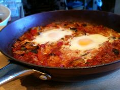 Slimming World Delights: Tuna and Vegetable Baked Eggs