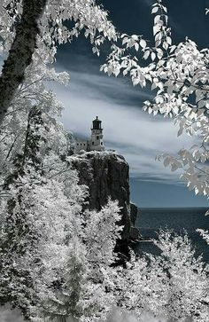 Spkit Rock Lighthouse. Minnesota. Cory Shubert
