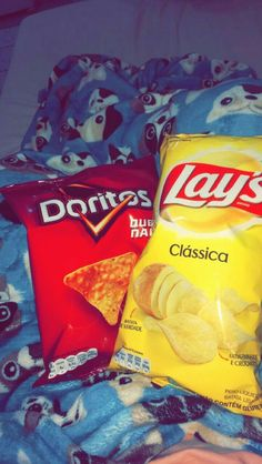 Doritos and Lays 😋 Doritos, Cute Cartoon Pictures, Food Pictures, Sleepover Food, Junk Food Snacks, Tumblr Food, Applis Photo, Snap Food, Cute Baby Videos