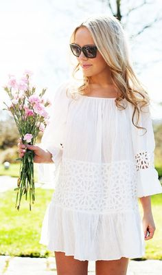 Lovely Summer White Dress Casual Style