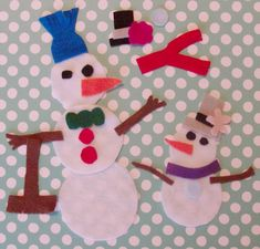 """This felt snowman puzzle was even easier to make.  It only took about 5 minutes.  I just cut the snowman and clothing shapes out of felt.   The pieces stick together enough to make a snowman, but easily come apart to change it up!  You could also use this idea to do a """"paper"""" doll."""