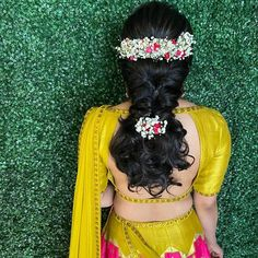 SouthIndianBride #TheBride #Wedding #WeddingMoment #IndianBride #IndianGroom #SouthIndianWedding #Instagram #InstaDaily #InstaLove #WeddingInspiration #BridalInspiration #WeddingWebsite #IndianWeddingBlog #SouthIndianWeddingBlog #insta #Ezwed #EzwedBride #BridalBlouses #BridalGuide #weddingdecor #bridalhairstyle #bridaljewelry #bridesofinstagram #weddingphotography #BridalTribe #BridalForum #BridalInspo #Inspo Haldi Ceremony, Indian Bridal Hairstyles, Peacock Design, Silk Dupatta, Indian Groom, Post Wedding, Wedding Moments, Wedding Website, Bridal Jewelry