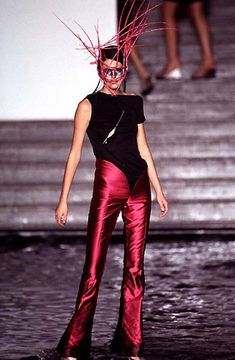 Alexander McQueen - Spring/Summer 1997