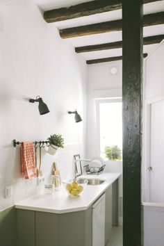 101 best small space design images kitchen dining kitchens small rh pinterest com