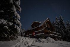 off-grid-log-cabin-in-alberta