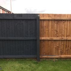 Modern Fence Ideas for Your Backyard – Backyard fences Backyard fences, Garden fence paint, Backyard Garden Fence Paint, Garden Fence Panels, Garden Fencing, Fence Stain, Black Garden Fence, Staining Wood Fence, Blue Fence, Pallet Fence, Diy Fence