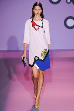 Andrew Gn Spring 2015 Ready-to-Wear Fashion Show - Vivienne Rohner