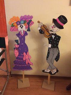Catrín y Catrina. 90cm alto para decoración de Día de Muertos y Halloween