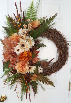Diy Fall Wreath, Autumn Wreaths, Wreath Crafts, Christmas Wreaths, Wreath Ideas, Grapevine Wreath, Door Wreaths, Autumn Decorating, Fall Flowers