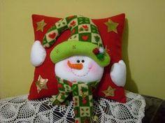 De Corazón: Cojines Navideños Christmas Applique, Christmas Sewing, Christmas Love, Christmas Holidays, Diy And Crafts, Christmas Crafts, Christmas Decorations, Christmas Ornaments, Holiday Decor