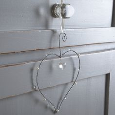 Hanging Wire Heart-Pearls