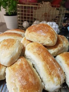 Piece Of Bread, Fika, No Bake Desserts, Hot Dog Buns, Bread Recipes, Food And Drink, Sweets, Vegan, Baking