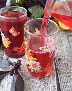 """Instagram'da Rize-İstanbul 🔹: """"Beğenenler yoruma kalp bırakabilirler mi♥️ . Sıcaktan bunalanlara soğuk ferah bir içecek 😍👌🏻 Reyhan şerbeti 😋 @cahide_sultan dan elinize…"""" Moscow Mule Mugs, Sultan, Alcoholic Drinks, Wine, Tableware, Glass, Food, Instagram, Dinnerware"""
