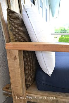 How I built the pallet wood sofa (part takes you step by step in creating one of a kind, comfortable outdoor furniture. Outdoor Couch, Diy Outdoor Furniture, Outdoor Pallet, Book Furniture, Pallet Furniture, Wood Pallets, Pallet Benches, Pallet Tables, Pallet Bar