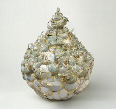 Korean Artist Sews Together Broken Ceramic Shards With 24K Gold - My Modern Met