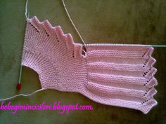 3.bp.blogspot.com -0AvPMJ5Ck0s UKDpNXwwgXI AAAAAAAACc0 AJSNJ98R9UA s1600 260720122728.jpg Knitting Designs, Baby Knitting Patterns, Knitting Stitches, Knit Or Crochet, Crochet For Kids, Crochet Bikini, Knitted Baby Cardigan, Baby Barn, Tricot Baby