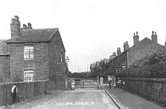 An information site for Wigan folk and ex-pats includes forums, pictures, news and more. Yorkshire Towns, My Town, History Facts, Old Pictures, Internet, Community, Times, Website, Outdoor