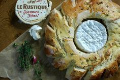 Garlic & Thyme Bread Wreath With Camembert