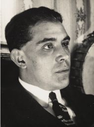 Juan Gris as photographed by Man Ray 1922