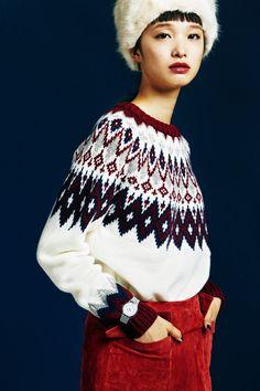 Knit Fashion, Fashion Pants, Womens Fashion, Fair Isle Knitting Patterns, Knitting Designs, Fall Sweaters, Casual Sweaters, Fair Isle Pullover, Editorial Fashion