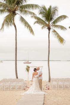 Florida Keys Wedding Photo Key Largo Lighthouse Beach Weddings Jannette De Llanos