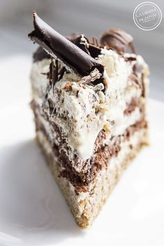 Cappuccino cake – Pastry World Sweet Desserts, Just Desserts, Sweet Recipes, Delicious Desserts, Baking Recipes, Cake Recipes, Dessert Recipes, Fruit Birthday Cake, Chocolate Dipped Fruit