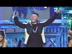 """Premios Juventud: Farruko puso a bailar a todos con """"Lejos de Aquí"""" - YouTube"""