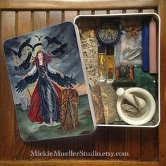 Jumbo Tarot Tin or Travel Altar The Morrigan
