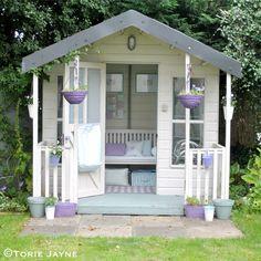 48 Ideas Backyard Living She Sheds For 2019 Backyard Sheds, Backyard Retreat, Garden Sheds, Summer House Garden, Home And Garden, Summer Houses, Inside Garden, House Inside, She Shed Decorating Ideas