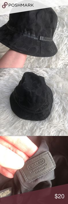 Women s coach hat Brand- Coach Excellent like new condition Not sure if it  was ever even worn Women s size medium large hat Authentic Signature C logo  on a ... 8cc676e3ce1f