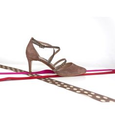 Si entre nuestras #propuestas no encuentra exactamente la #combinación de elementos deseada (o altura de #tacón, #plataforma oculta en vez de vista, un #modelo todo en pitón…) pregúntenos sin compromiso en info@jorgelarranaga.com ¡y te sorprenderás! #LEATHERSHOES #FASHION #SHOES #LEATHER #FASHION #SHOES #zapatos #complementos #madrid #moda #tendencia #diseño #original #fabricacionartesanal #HechoEnEspaña