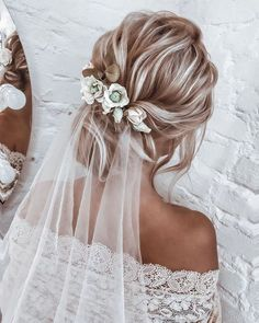 Short Hairstyles Hot Wedding Hair Trends 2020 wedding hair trends blonde textured low updo with white veil anastasia_bant.Short Hairstyles Hot Wedding Hair Trends 2020 wedding hair trends blonde textured low updo with white veil anastasia_bant Bridal Hair Updo With Veil, Bride Hairstyles With Veil, Hairdo Wedding, Wedding Hair Down, Wedding Hairstyles For Long Hair, Wedding Hair And Makeup, Updo Veil, Wedding Hair Blonde, Bridal Hair With Flowers