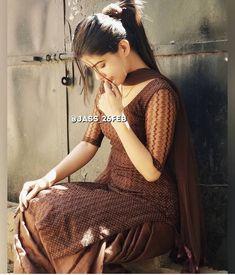 Best 12 Casual for home – Page 506232814364037121 – SkillOfKing. Simple Kurta Designs, Kurta Designs Women, Stylish Dress Designs, Stylish Dresses, Simple Dresses, Dress Indian Style, Indian Fashion Dresses, Designer Punjabi Suits, Indian Designer Wear
