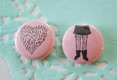 Rosa amor Furr una pulgada botón Set de 2 de ModernGirlBlitz en Etsy https://www.etsy.com/es/listing/89250555/rosa-amor-furr-una-pulgada-boton-set-de