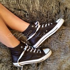 """Brown faux leather high top tennis shoes These comfy shoes are a faux leather, white laces, high top style. Shoe is coming apart from the trim, shown in picture. No brand name. Some scuffs. Length: 11"""", width: 3.75"""". Shoes Sneakers"""