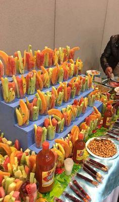 New Fruit Cups Fiesta Ideas Mexican Birthday Parties, Mexican Fiesta Party, Fiesta Theme Party, Taco Party, Festa Party, Snacks Für Party, Fruit Birthday, Fruit Party, Baby Birthday