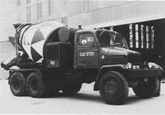 Source: Transmobiel About 400 Praga's were sold in The Netherlands during the None of them is believed to have survived. Mix Concrete, Concrete Mixers, Cement, Semi Trucks, Old Trucks, Truck Transport, Mixer Truck, Heavy Duty Trucks, Old Models