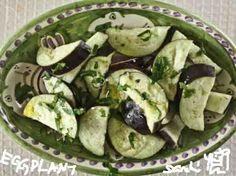 なすを塩もみして、塩とパセリ、オリーブオイルで作る、超時短料理です。  食欲のないとき、食べすぎた時にも、さっぱりいただけます。