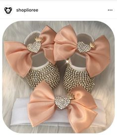 Ideas Diy Baby Stuff For Girls Newborns Shower Gifts Little Girl Shoes, Cute Baby Shoes, Baby Girl Shoes, Baby Girl Fashion, Kids Fashion, Baby Pageant, Gucci Baby, Estilo Real, Baby Boutique