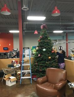 Our #WorldGym Decorator, Mary Jones sharing #Christmas cheer to all at our Westfield Palm Desert gym! #beautiful #Christmas2015