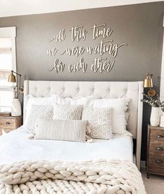 25 Cozy Bedroom Decor Ideas that Add Style & Flair to Your Home - The Trending House Cozy Bedroom, Home Decor Bedroom, Modern Bedroom, Tan Bedroom Walls, Bedroom Wall Decor Above Bed, Couple Bedroom Decor, Classic Bedroom Decor, Bedroom Headboards, Romantic Bedroom Decor