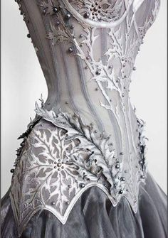 Vestido medieval Brownie brownie in a mug easy Zuhair Murad, Beautiful Outfits, Cool Outfits, Party Outfits, Gothic Mode, Gothic Lolita, Fantasy Gowns, Mode Inspiration, Costume Design
