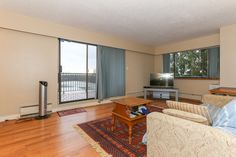 621 sq. ft. 1 bedroom condo with Downtown Views.