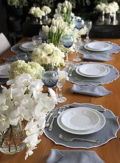 Pantone, Table Manners, Table Set Up, Dinner Table, Kitchenware, Tableware, Tablescapes, Make It Simple, Living Room Decor