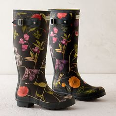 Hunter floral garden boots: http://www.stylemepretty.com/living/2016/04/26/find-that-perfect-gift-for-mom-with-our-ultimate-gift-guide/