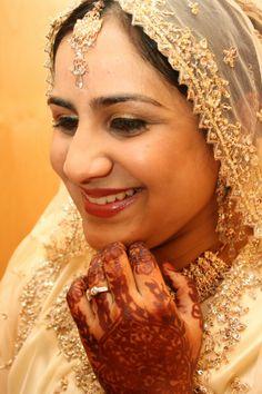 Bridal make-up and mehndi Bridal Make Up, Mehndi, Brides, Traditional, How To Make, Beauty, Fashion, Moda, Fashion Styles