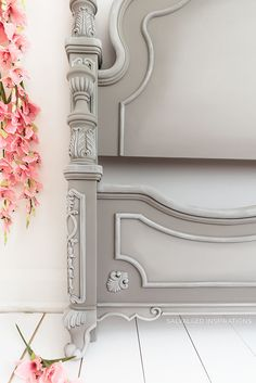 Details on French Linen Painted Headboard Painted Headboard, Linen Headboard, Diy Headboards, Headboard Makeover, Country Headboard, Chalk Paint Colors, Grey Paint, Dixie Belle Paint, Chalk Paint Furniture